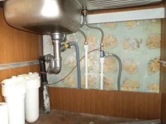 Как подсоединить смеситель на кухне?